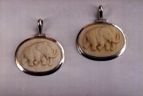 pendants-with-mammoths
